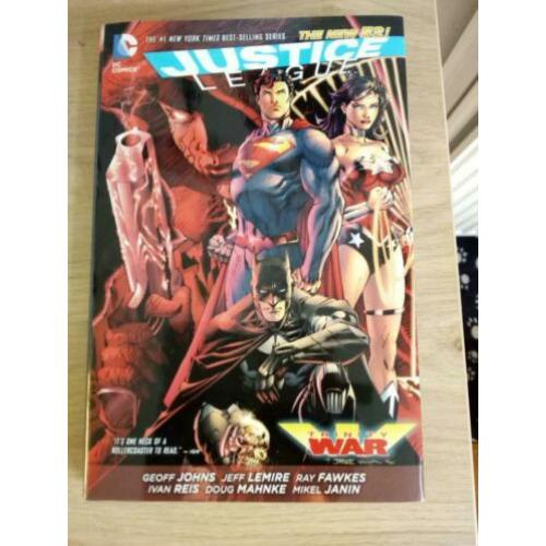 DC NEW 52: Justice League: Trinity War HC
