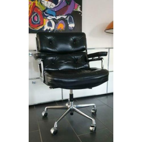 Vitra Eames Lobby Chair ES 104 in chroom en zwart leder TOP