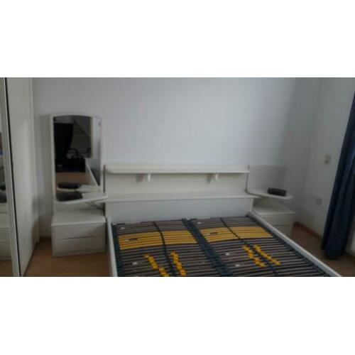 Bed 2 persoons 160 x 200