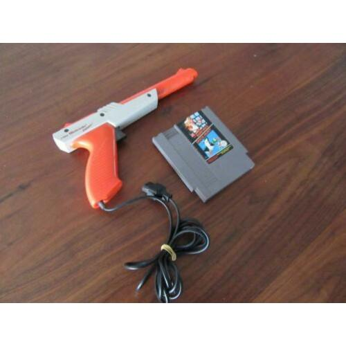 Nintendo NES Duck Hunt met Zapper pistool