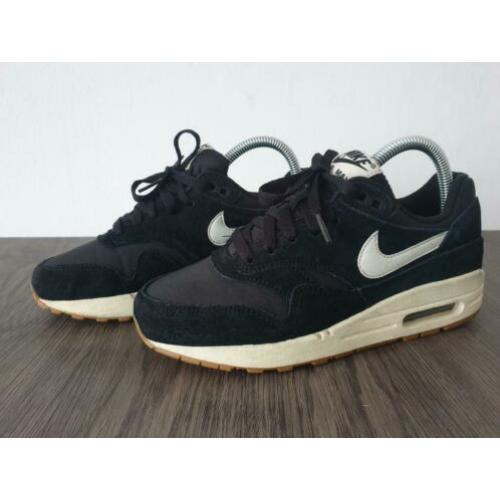 Nike Air Max 1 GS Black Sail Gum Light Brown maat 37.5