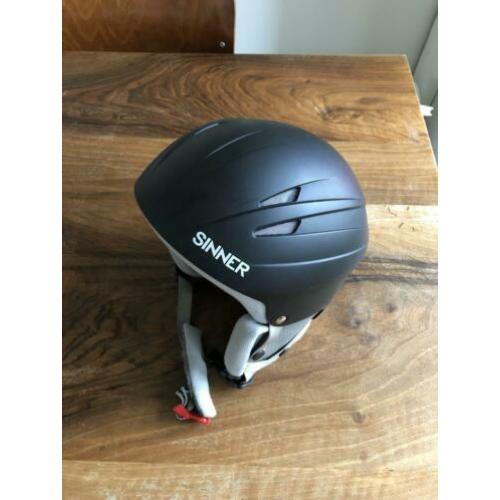 Wintersport helm Sinner maat s/m
